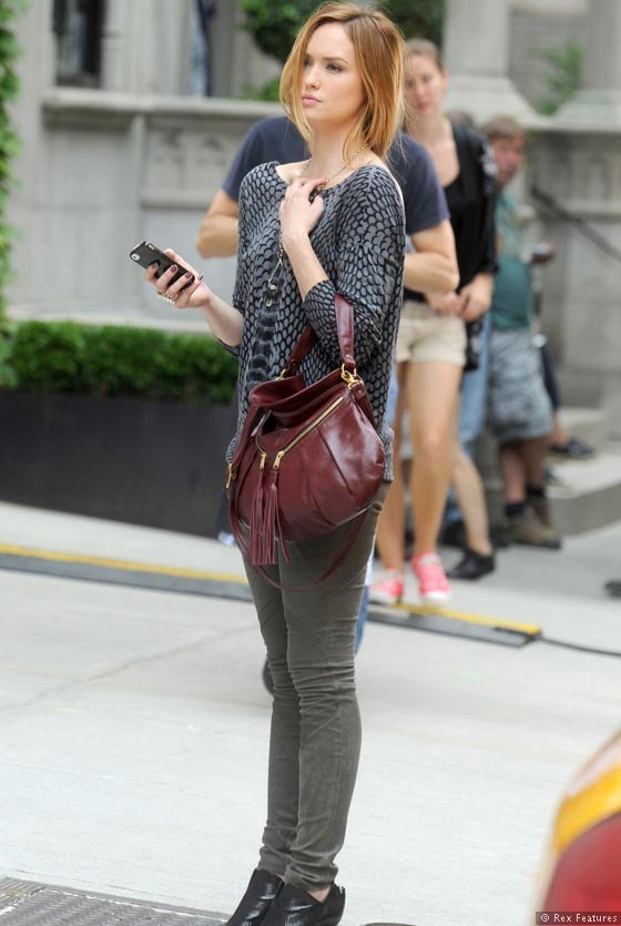 Kaylee-DeFer-on-the-set-of-Gossip-Girl-season-6-0812