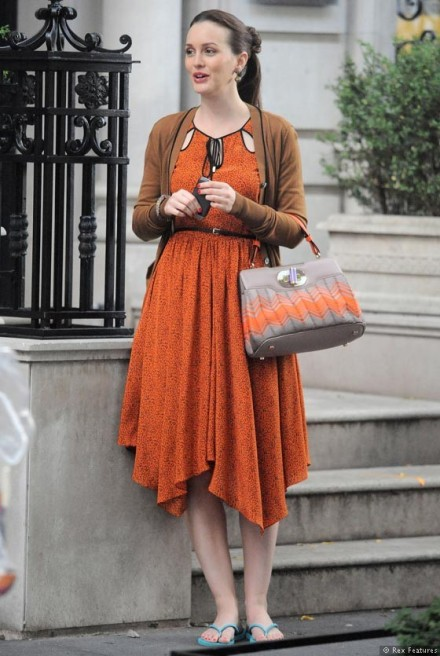 Leighton-Meester-on-the-set-of-Gossip-Girl-season-6-0812-2