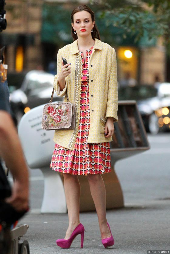 Leighton-Meester-on-the-set-of-Gossip-Girl-season-6-0812-3